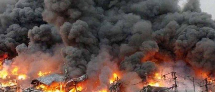شرارة لحام تحرق  20 سفينة صيد في أندونيسيا