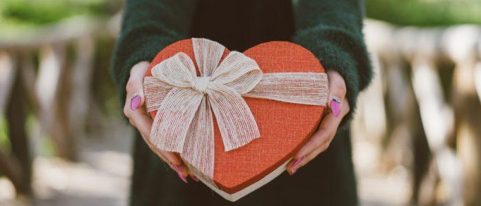 7 أفكار لهدايا عيد الحب تناسب جميع الميزانيات