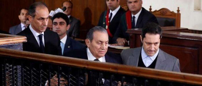 استكمال محاكمة نجلي حسني مبارك بقضية البورصة