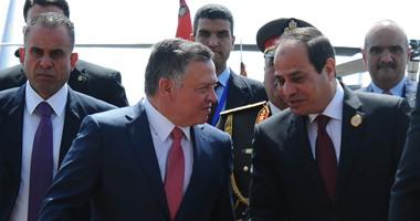 الرئيس السيسى يستقبل ملك الأردن لدى وصوله مطار القاهرة للمشاركة فى القمة الثلاثية