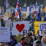 """بالفيديو.. مسيرات مليونية فى لندن للمطالبة باستفتاء جديد على """"بريكست"""""""