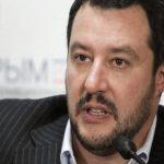 وزير الداخلية الإيطالي يرفض استقبال سفينة إنقاذ على متنها 49 شخصا