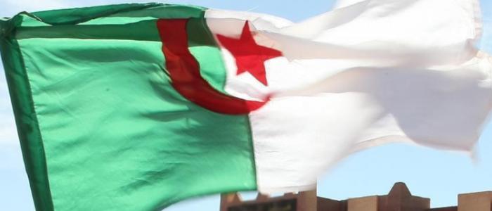 الدفاع الجزائرية تعلن الكشف عن مخبأ لقذائف الهاون والرشاشات في تمنراست
