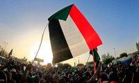 اعتصام الآلاف أمام مقر الجيش السوداني