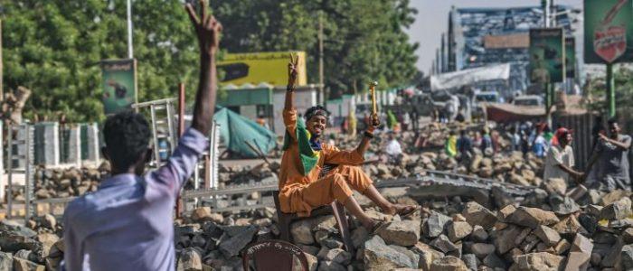 """منظمو الاحتجاجات في السودان يدعون إلى """"موكب مليوني"""" الخميس"""