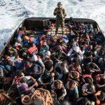 """إيطاليا تحذر من """"إرهابيين"""" على قوارب المهاجرين من ليبيا"""