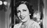 في ذكري ميلاد راهبة الفن تعرف علي مغامرات الأنسة أمينة رزق العاطفية