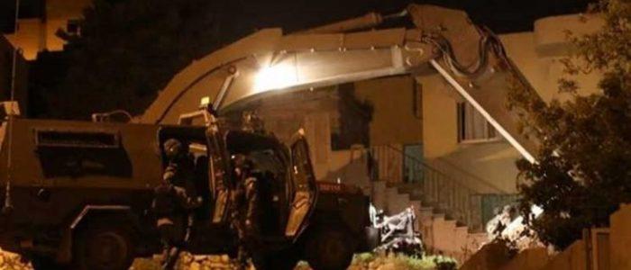 جيش الاحتلال يهدم منزل الشهيد صالح البرغوثي قرب رام الله
