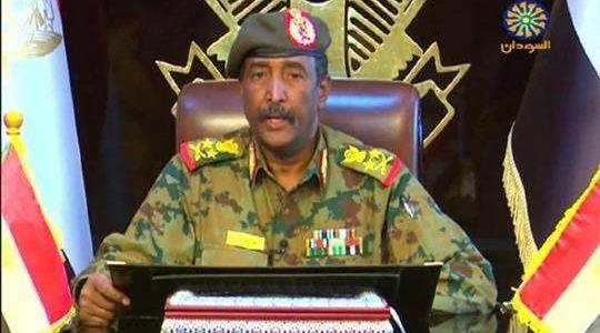 رئيس المجلس العسكري السوداني يشيد بمصر والسعودية والإمارات