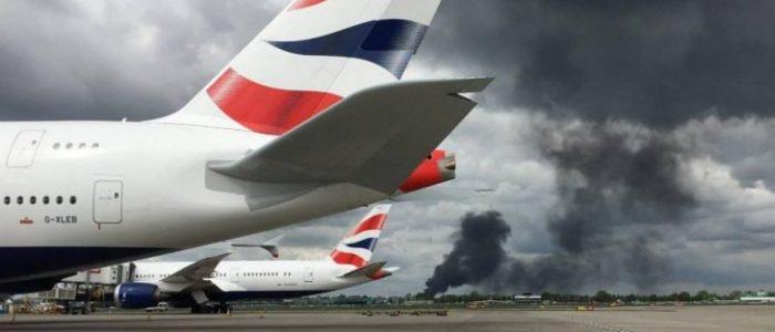 سماع دوي انفجارات إثر حريق بمخزن للحاويات قرب مطار هيثرو بلندن