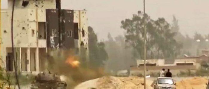 """مناطق سكنية في طرابلس تحولت إلى """"ساحات معارك"""""""