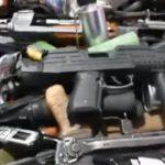 ضبط أحزمة ناسفة وأسلحة في الخرطوم