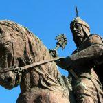 من هو السلطان الذي حافظ على دولة السلاجقة من الزوال؟