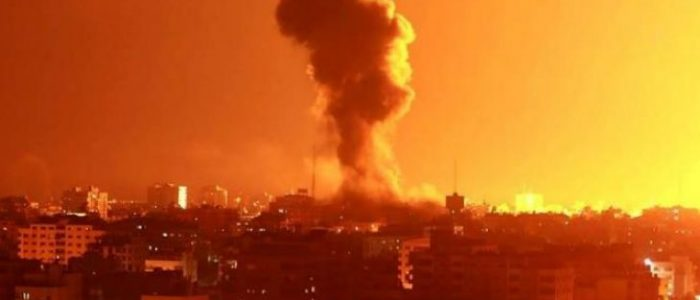 إيكونوميست: دوامة التصعيد والتهدئة في غزة تخدم السياسة الداخلية الإسرائيلية وحماس