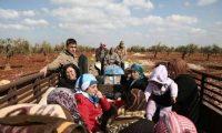 اللاجئون السوريون .. عودة صعبة إلى سوريا ووضع سيء في لبنان