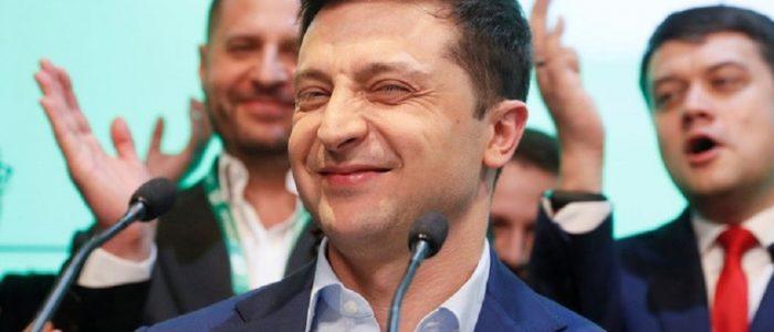 """زيلينسكي يتوجه إلى دونباس بـ """"رسالة سلام"""""""