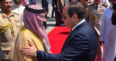 الرئيس السيسي يودع ملك البحرين بمطار القاهرة فى ختام زيارته لمصر