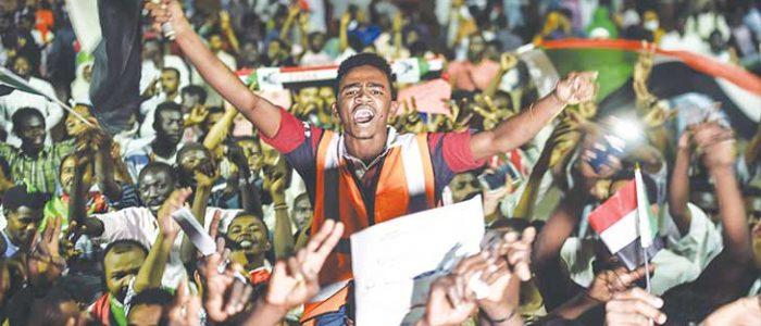 المعارضة السودانية تتحدى تهديدات «حميدتي» وتحشد للإضراب العام