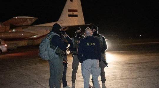 كيف نجحت المخابرات المصرية في استلام الإرهابي هشام عشماوي؟