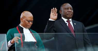 رئيس جنوب إفريقيا يشكل نصف حكومته من النساء ويقلل عدد الوزراء