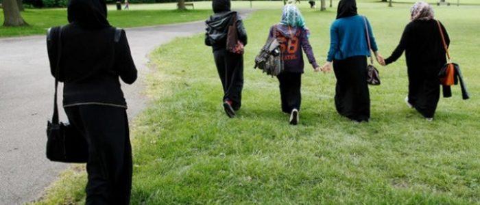 زعيمة حزب ميركل تدعم الجدل بشأن حظر الحجاب في المدارس