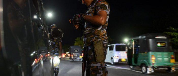 مقتل رجل مسلم في أعمال عنف ضد المسلمين في سريلانكا وحظر تجول في أرجاء البلاد