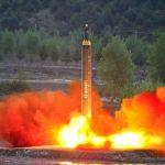 كوريا الشمالية تطلق صاروخا باتجاه بحر اليابان