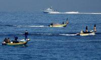 الاحتلال يطلق النار على مراكب الصيادين الفلسطينيين في بحر غزة