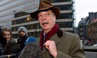 """الجارديان: البرلمان الأوروبى أحال قضية """"هدايا"""" فاراج إلى لجنة استشارية"""