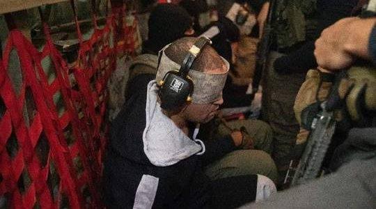 سبب وضع الأمن المصري سماعات على أذني الإرهابي هشام عشماوي