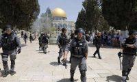 قوات الاحتلال تمنع المصلين بعد اقتحام عشرات المستوطنين مسجد الأقصي
