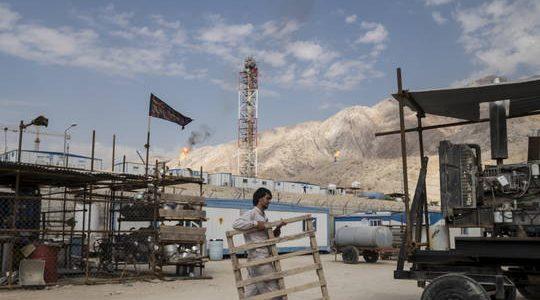 """إیران تنصب منصة بحرية جديدة في حقل """"بارس"""" المشترك مع قطر"""