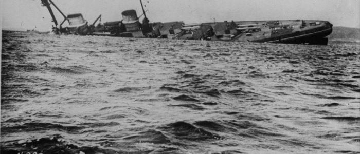 قصة الأسطول العظيم الذي أغرق نفسه أمام أعدائه
