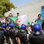 الجزائر تضع رئيس الوزراء الأسبق سلال والوزير السابق بن يونس الحبس المؤقت