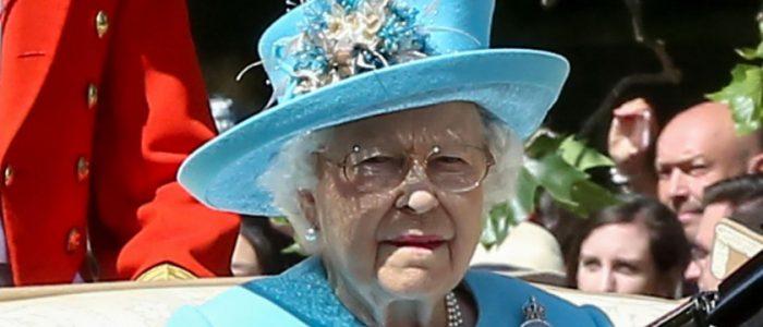ابن شقيقة ملكة بريطانيا يعلن الطلاق من زوجته