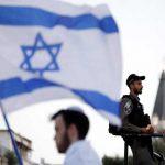 """مطالبات بوضعهم على """"القوائم السوداء"""": تنديد فلسطيني واسع لـ""""الزيارة التطبيعية"""" لإعلاميين عرب بينهم سعوديون لإسرائيل"""