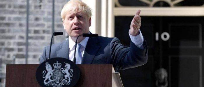 """متحدث: جونسون لا يشكك في وجود تحيز وعنصرية لكنه لا يتفق مع فكرة أن بريطانيا """"بلد عنصري"""""""
