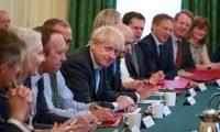 التايمز: بوريس جونسون زرع السكين في ظهر نصف وزراء حكومة تيريزا ماي للأنتصار للبريكست