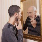 دراسة: ملعقتان صغيرتان من المكسرات تحميك من الخرف وآثار تقدم العمر