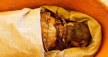 اكتشاف قطع أثرية وتوابيت ومومياوات فى دهشور
