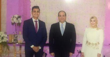 الرئيس السيسى يلبى دعوة شاب بحضور حفل زفافه ويشهد على عقد القران