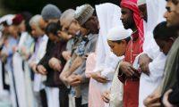 تخلت عنهم الحكومة واليمين المتطرف.. كيف ساعد مسلمو بريطانيا الفقراء البيض؟
