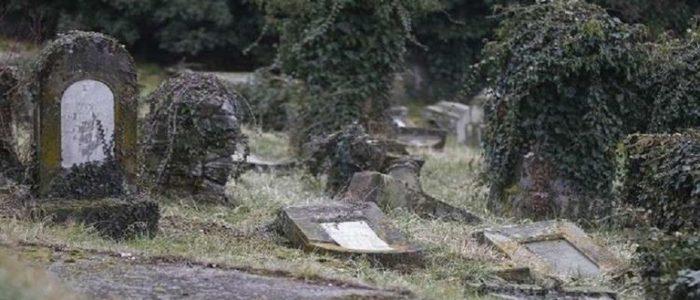 سيدة تخرج من القبر حية بعد دفنها وتموت بعد 10 دقائق!