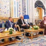 الملك سلمان يستقبل رؤساء وزراء لبنان السابقين
