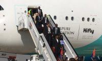 مشجعو مدغشقر يصلون مطار القاهرة على متن أكبر طائرة فى العالم