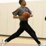 """تشيرت رياضي لـ""""باراك أوباما"""" بيع بـ120 ألف دولار"""