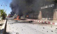 غارات روسية – سورية على إدلب تتسبب في مقتل وجرح العشرات وتهجير الآلاف