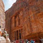 نكسة بعد أفضل عام سياحي.. الأشباح تسكن البتراء الأردنية بعدما عصف بها كورونا