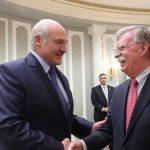رئيس بيلاروسيا يرسل هدايا إلى ترامب وميلانيا