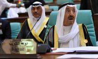 """أمير الكويت يعقد أولى اجتماعاته بعد """"عارض صحي"""""""